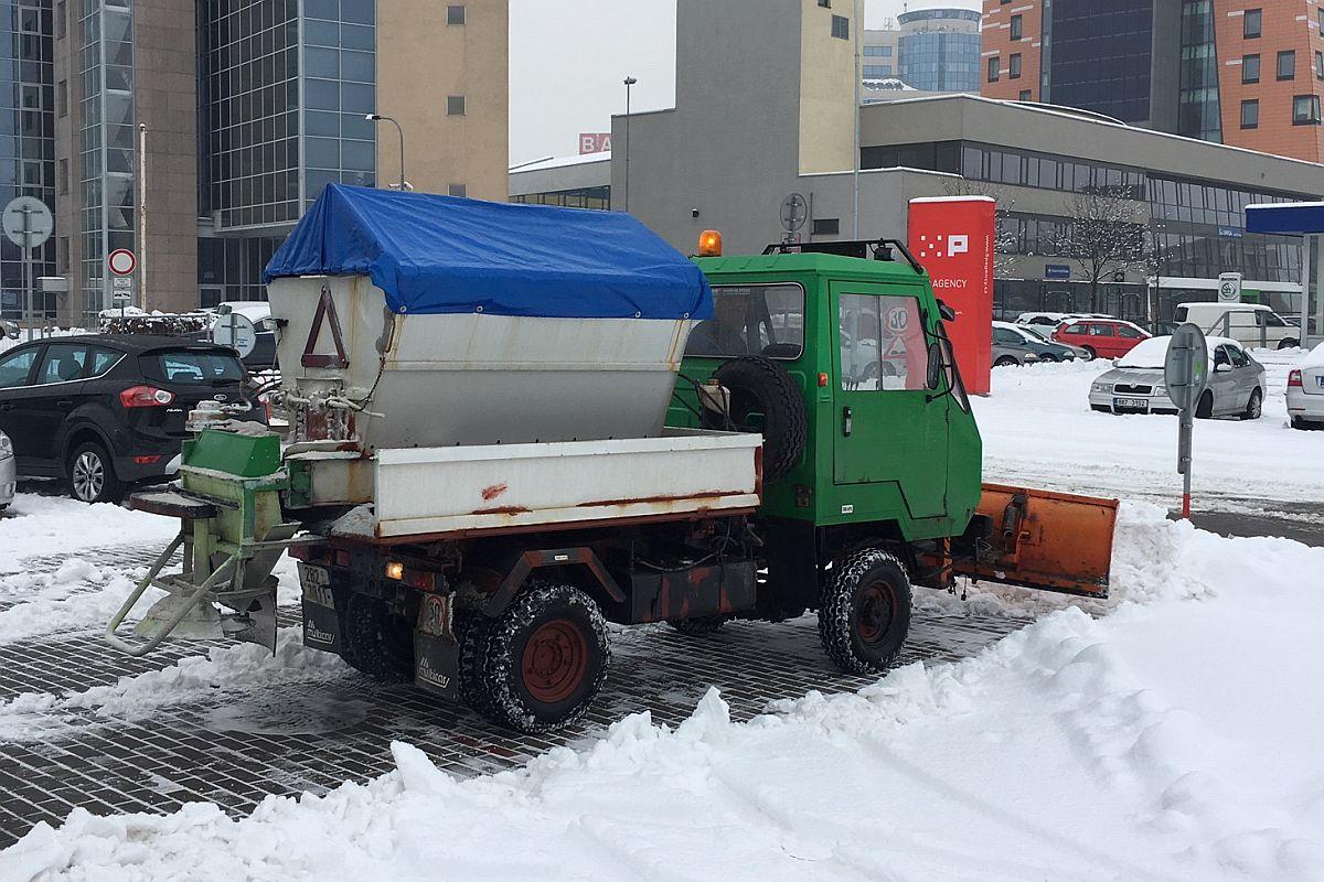 Multikára - odklízení sněhu